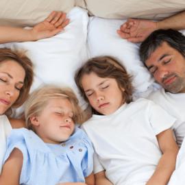 melhorar o sono bebendo água
