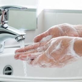 qual a importância de lavar as mãos